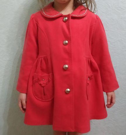Пальто розовое демисезонное на девочку