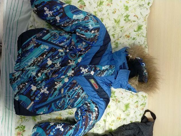 Продам комплект куртка штаны на мальчика рост 110 см