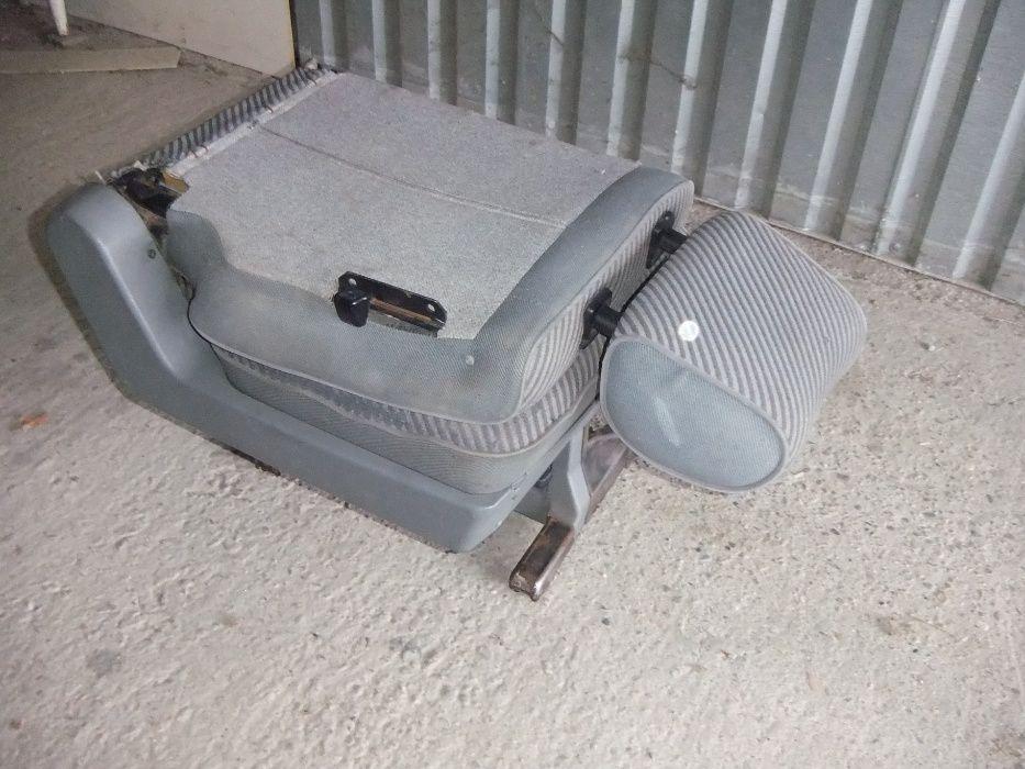 Fotel-Siedzenie 2-Rzędu ( Koziołek-Rozkładany ) Volkswagen T 4 Rogów Sobócki - image 1