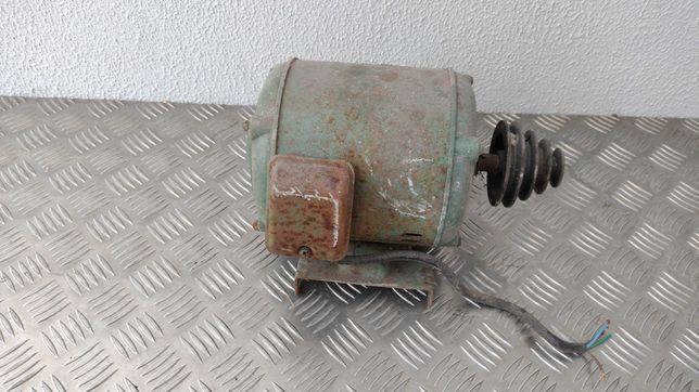 Motor trifasico para maquina ou betoneira.