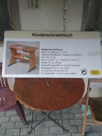 Nowe biurko dziecięce