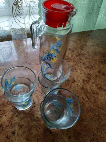 Посуд Глечик та стакани