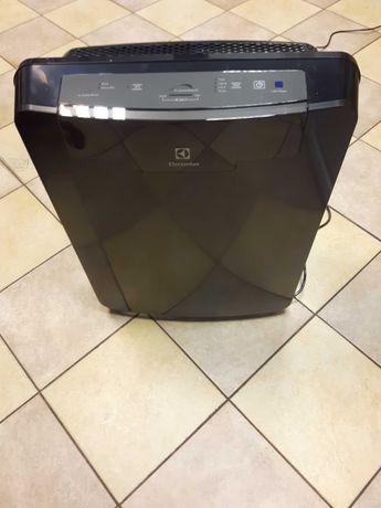 Oczyszczacz powietrza Electrolux EAP450 nowy