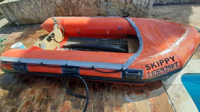 Barco pneumatico com motor suzuki