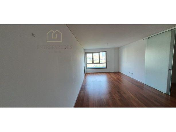 Apartamento T2 para arrendar Ed. Boss Luxury Tower