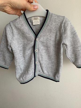 Sweterek niemowlecy na guziczki z Mamas&Papas 0-3 miesiace