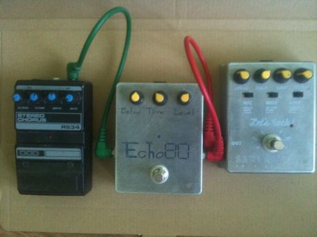 SansAmp GT-2, Echo-80 Delay, DOD Stereo Chorus RS34