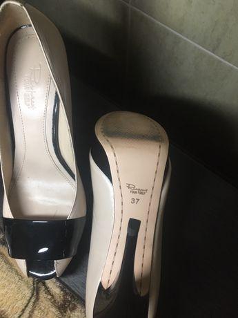 Новые кожаные женские туфли