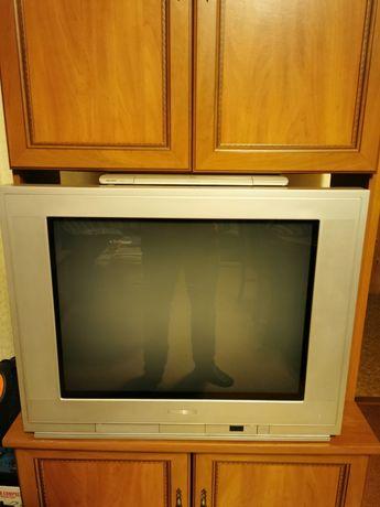 "OKAZJA zestaw telewizor Thomson 32"", DVD Bentley, kino domowe"