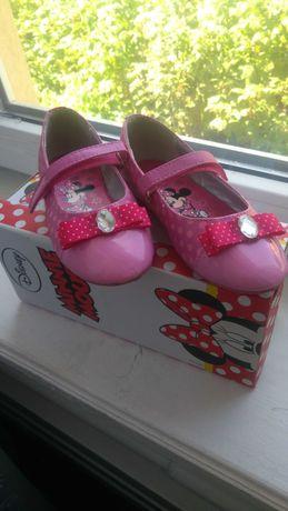 Туфлі дівчачі р.30-18,5см