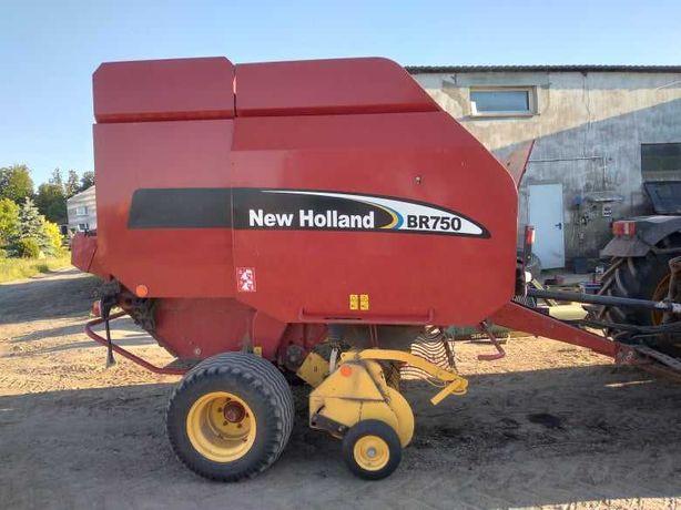Prasa New Holland BR 750
