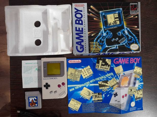 Game Boy Classic DMG em caixa + jogo