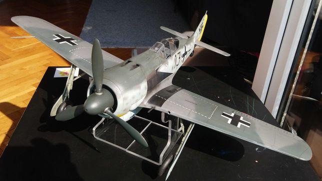 Gotowy model FW 190 A5  1/18  Duży skala plus podstawka