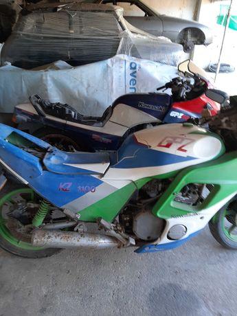 Motos Kawasaki antigas dos anos 70 para peças