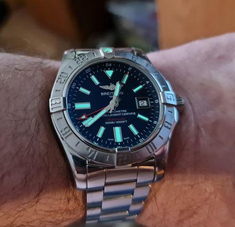 Мужские часы Breitling Avenger II GMT