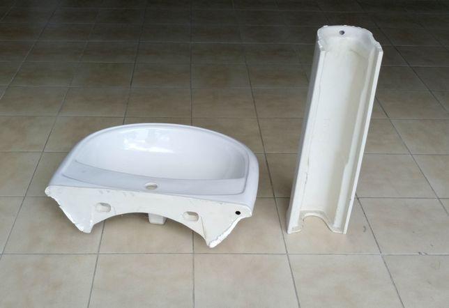 Lavatório casa de banho com base
