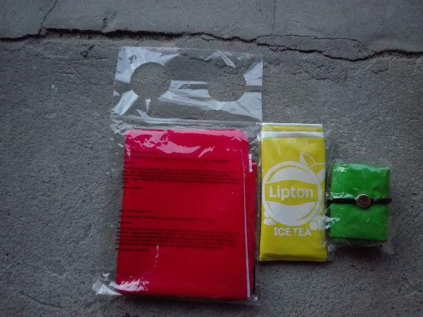 Flaga polski,piłka plażowa oraz torba.