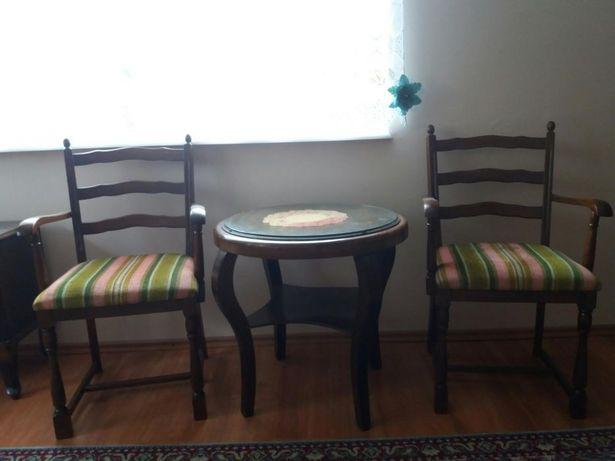 Komplet mebli stylowych, fotele, stolik, komoda