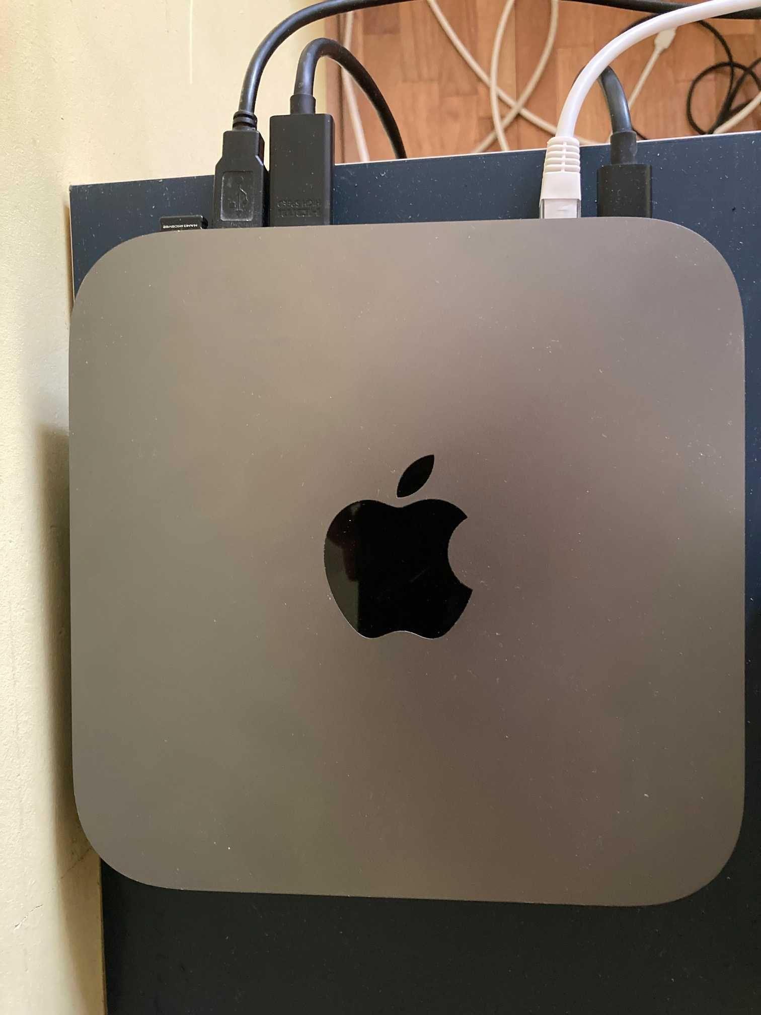 Mac mini/i5/8gb RAM/256gb SSD/model 2018