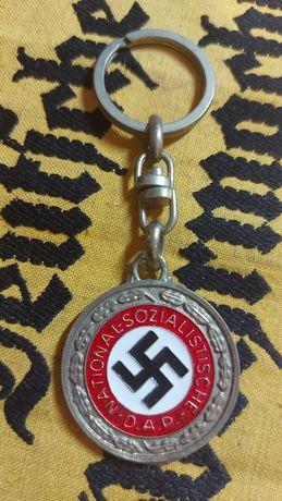 Porta-chaves Suástica/Adolf Hitler--Alemanha nazi-suástica