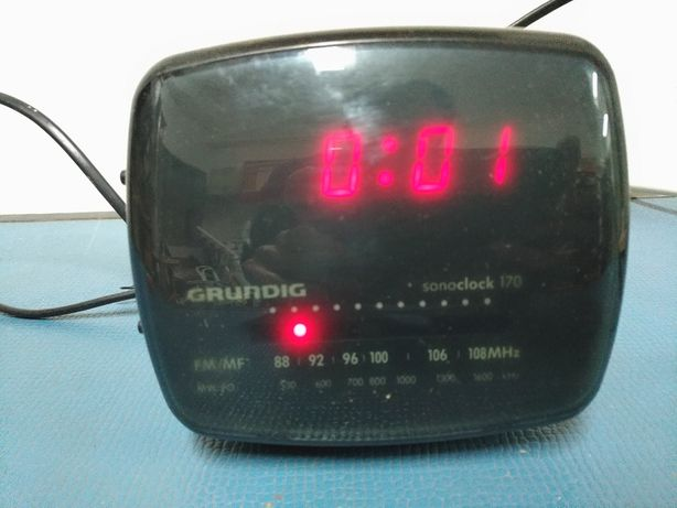 Rádio Relógio Despertador Grundig SonoClock 170