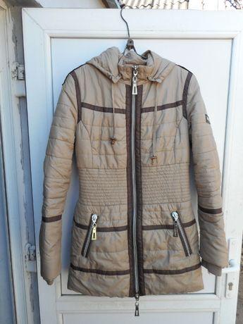 Куртка балон почти новая для девушки размер L