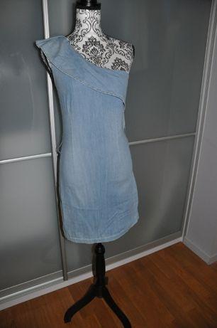 Sukienka na ramię 38