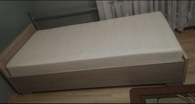 Sprzedam jednoosobowe łóżko z materacem!
