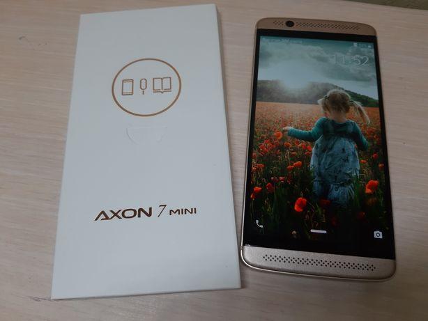 ZTE Axon 7 mini  B2017G 3/32Gb