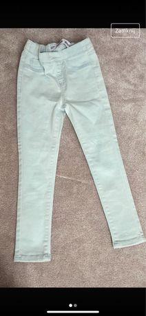 Spodnie dziewczwce 110/116