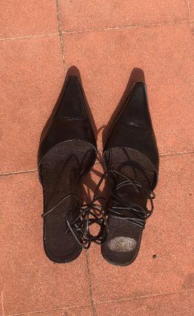 sapatos senhora com atilhos