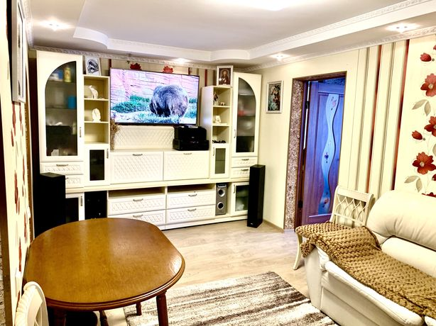 Продам 2х комнатная квартира  с мебелью,хозяин,Центр пл.Победы