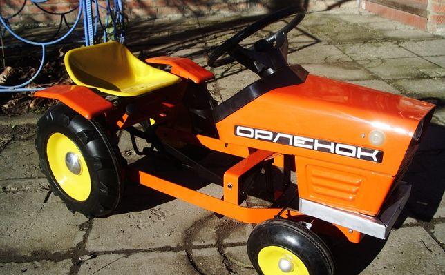 Продам детскую педальную машинку трактор на педалях СССР