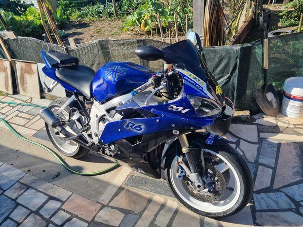 Mota Yamaha R6 2001