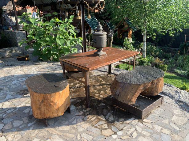 Небольшой столик со стульчиками