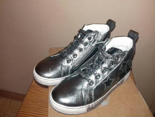 Нове шкіряне взуття Naturino 27 розмір