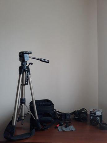 """Aparat Canon eos 550d body z """"kitem"""" plus obiektyw EF 50mm f/1.8 STM"""