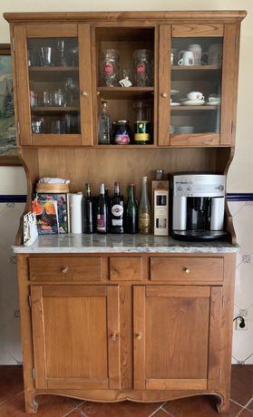 Louceiro de cozinha em madeira de castanho