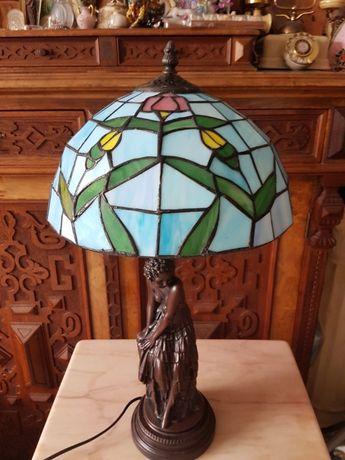Piękna lampa witrażowa z nogą rzeźba kobiety styl Tiffany
