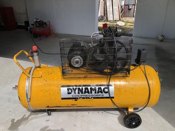 Compressor 200L trifasico