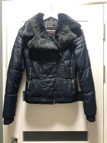 Пуховая куртка с мехом