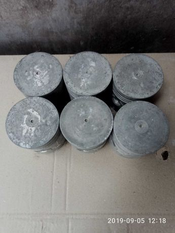 Продам поршня кольца ВК. шат,кор.много других зп г-51-52.