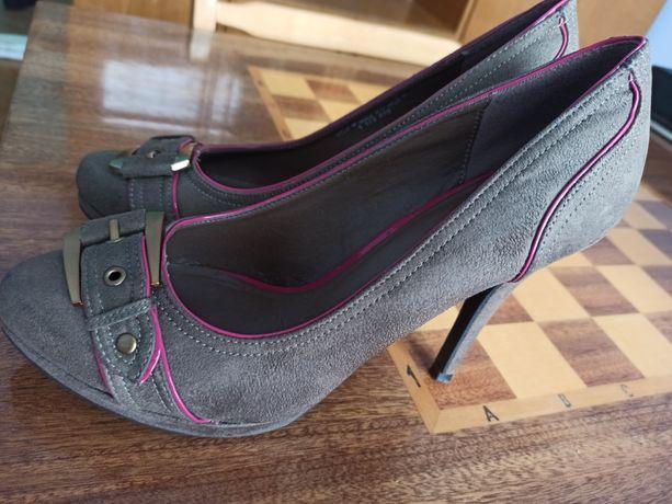 Туфлі жіночі замшеві