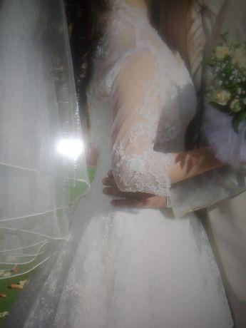 Весільна сукня з жилеткою