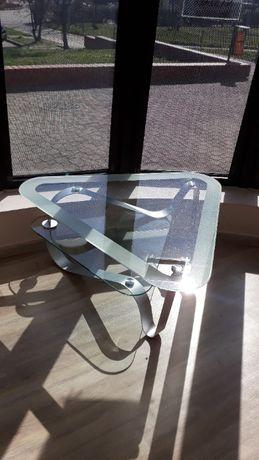 Stolik salonowy trójkątny