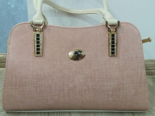 Продам очень красивую сумочку.