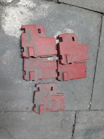 Osłona zaślepka klemy akumulatora Trafic Vivaro Primastar 01-14