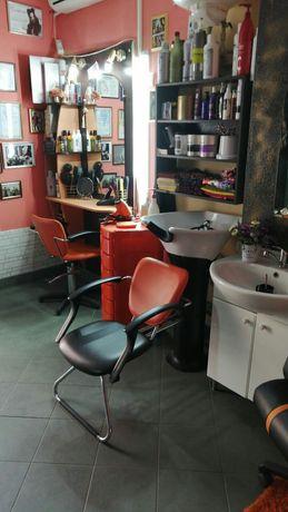 Сдам парикмахерскую+место для маникюр и ресниц,шугаринг