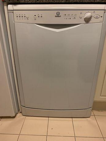 MÁQUINA de lavar LOIÇA indesit como NOVA
