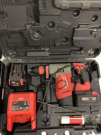 Аккумуляторный перфоратор Milwaukee SDS-Plus M28 CHPX 4.1 Дж